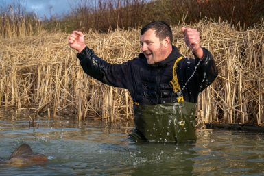 It's not every day that you celebrate a 100lb brace of UK caught carp, to be honest, in December, it's even less likely!! Congratulations go out to Lee Randall
